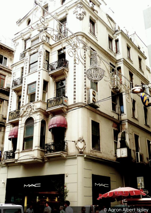 downtown istanbul - CoffeeJitters.Net
